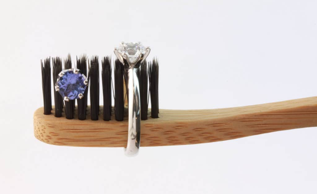 keeping jewellery items clean, cleaning your jewellery, how to keep jewellery clean, myths about cleaning jewellery, don't clean your jewellery with toothpaste