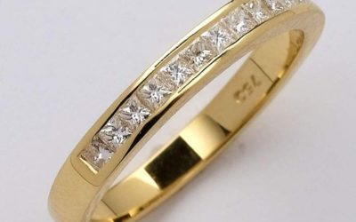 115209 : Diamond Wedding Ring