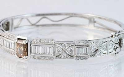 119131 : Arygle Diamond Hinged Bangle