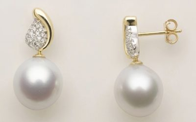 115741 : Diamond & Pearl Studs