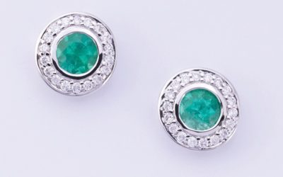 119572 : Emerald & Diamond Studs