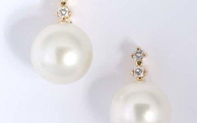 119584 : Pearl & Diamond Studs