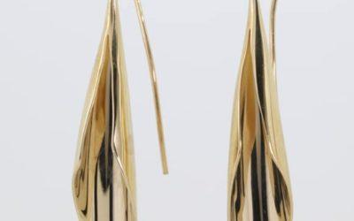 120030 : Fluted Hook Drop Earrings