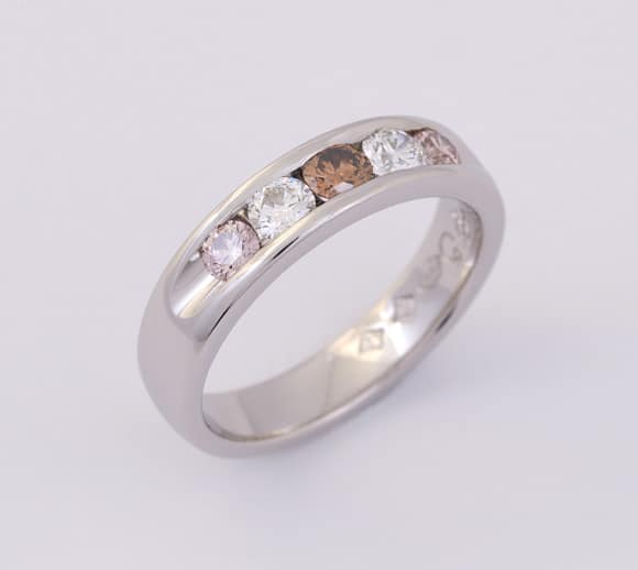Platinum coloured diamond ring