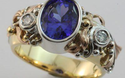 c126 : Tanzanite & Diamond Ring
