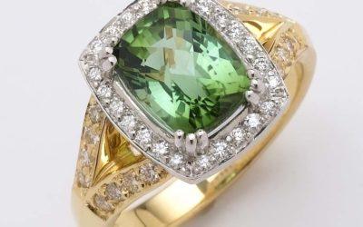 116405 : Tourmaline & Diamond Ring