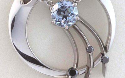 118113 : Aquamarine & Black Diamond Pendant