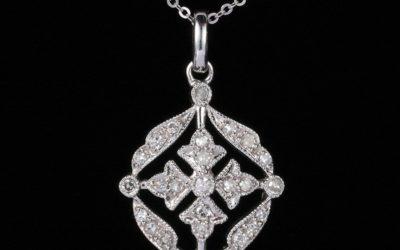 118620 : White Gold Diamond Pendant