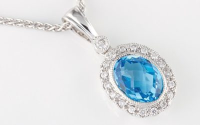 119008 : Blue Topaz & Diamond Pendant
