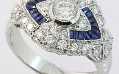 119065 : Sapphire & Diamond Ring