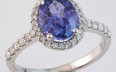 119236 : Tanzanite & Diamond Ring