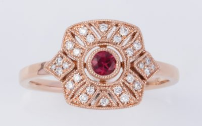 119768 : Ruby & Diamond Ring