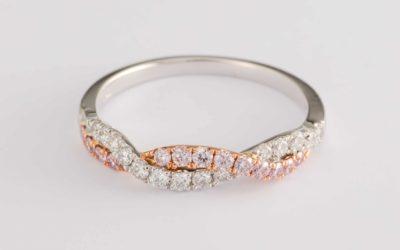 119789 : Pink & White Diamond 'Twist' Ring