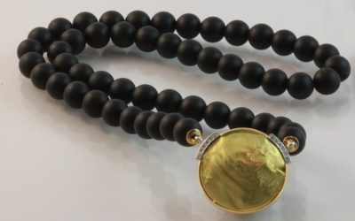 119839 : Onyx & Diamond Necklace