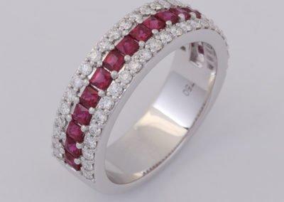 120023 - Ruby & Diamond Ring