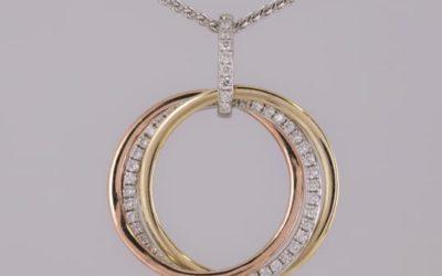 120051 : Diamond Interlocking Circular Pendant