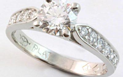 120074 : Platinum Diamond Engagement Ring
