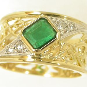 hand made designer ring, quality hand made jewellery, custom made jewellery, emerald and diamond ring, unique emerald and diamond ring, Greg John, Abrecht Bird Abrecht Bird Jewellers,