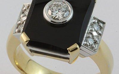 c110_ID4535 : Onyx & Diamond Ring