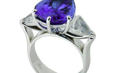 c118 : Tanzanite & Diamond Ring