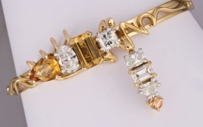 o120 : Topaz & Diamond Brooch