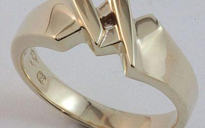 106 : Gentleman's Masonic 'King' Ring