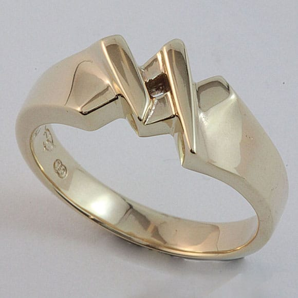Masonic 'King' ring in 9 carat yellow gold