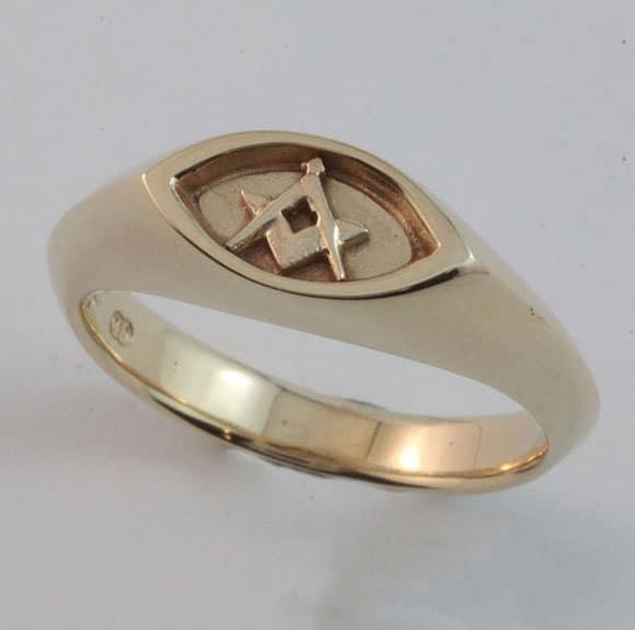 Masonic 'All seeing Eye' ring in 9 carat yellow gold