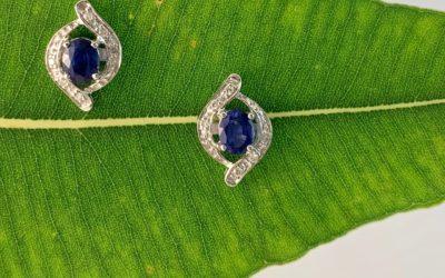 120072 : White Gold Sapphire & Diamond Stud Earrings