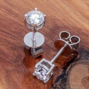 Abrecht Bird Jewellers, diamond studs, diamond, diamond earrings, Diamond earrings,